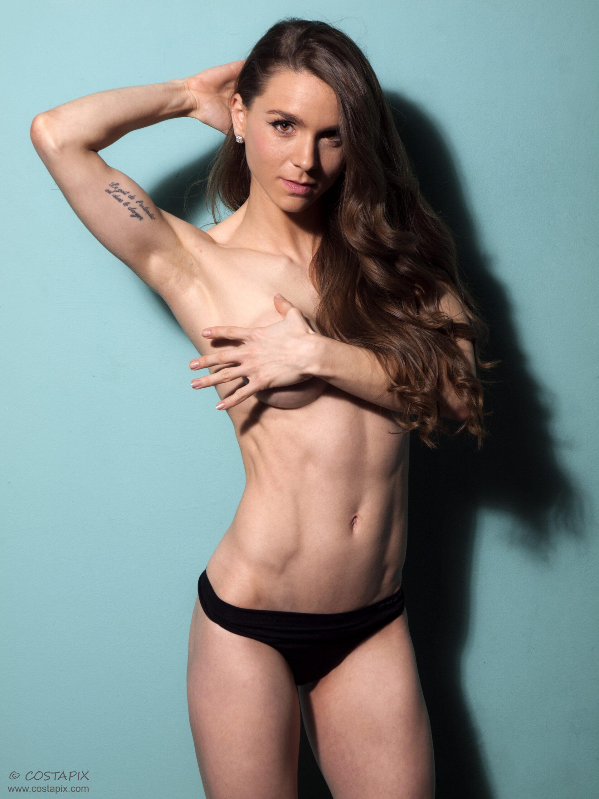 Steffi, fitness model in Costapix Studio